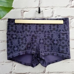 Lululemon Boogie Shorts Mini Prisma Nightfall